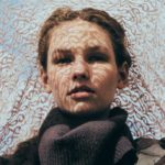 お肌が暗く見えてしまう3つの原因と、透明感のある肌のためのスキンケア